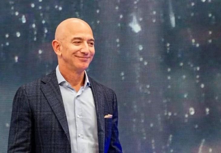 Jeff Bezos é a pessoa mais rica do mundo pelo 4º ano seguido