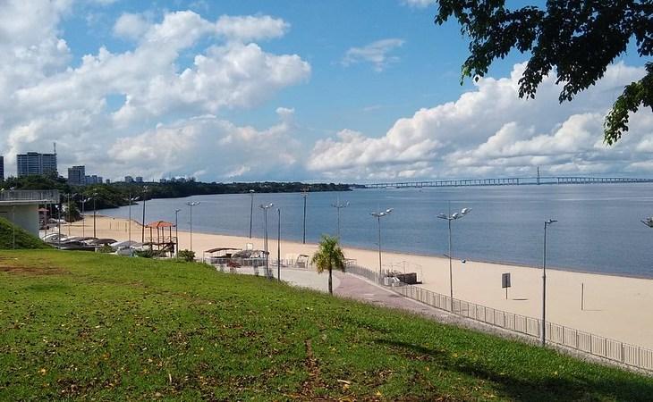 Prefeitura libera acesso à praia da Ponta Negra nos dias úteis até 17h