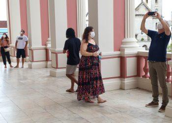 Primeiro dia de reabertura para visitação turística no Teatro Amazonas tem vagas esgotadas