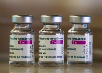 Fiocruz deve retomar produção da vacina contra covid-19 na terça-feira