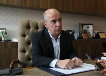 Conselheiro do TCE-AM suspende contratação da Seduc