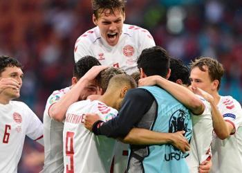 Dinamarca goleia País de Gales e avança às quartas da Eurocopa
