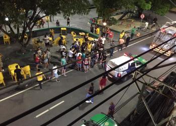 Homens ficam feridos após tentativa de homicídio na Praça do Caranguejo em Manaus