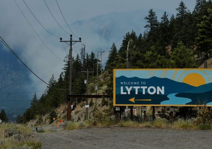 Incêndio devasta vila canadense de Lytton