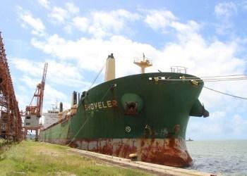 Tripulantes de navio atracado em Recife testam positivo para a covid