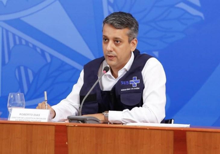Senador Omar Aziz decreta a prisão de Roberto Dias, ex-diretor do Ministério da Saúde.
