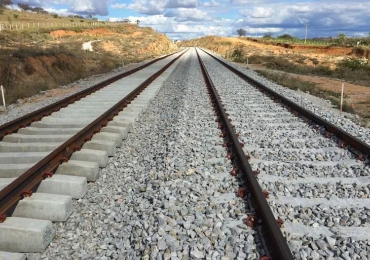 Presidente Jair Bolsonaro qualifica dois trechos de ferrovia no PPI