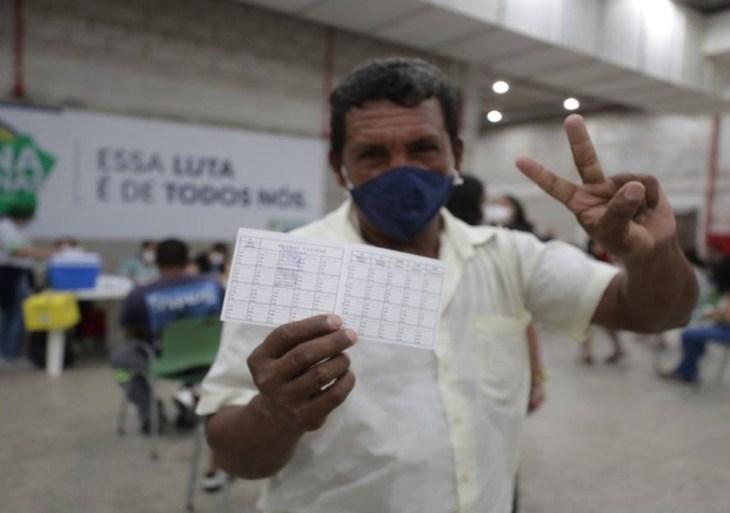 """População aproveita mutirão """"Vacina Amazonas"""" para completar esquema vacinal"""