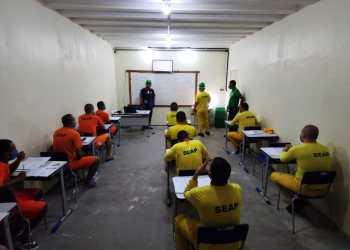 Prática de curso proporciona conhecimento e oportunidade de reintegração social aos internos do Compaj