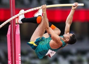 Thiago Braz conquista a medalha de bronze no salto com vara