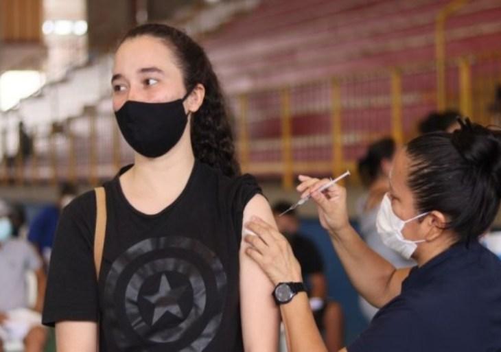 Brasil ultrapassa 100 milhões de pessoas com ciclo vacinal completo