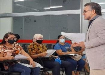 Prefeitura realiza curso de 'Criação de Texto' ministrado por Tenório Telles