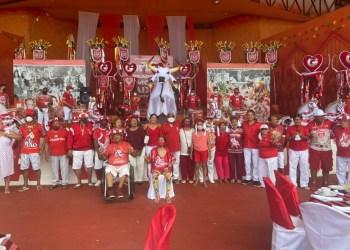 Boi Garantido recebe integrantes da Velha Guarda para confraternização
