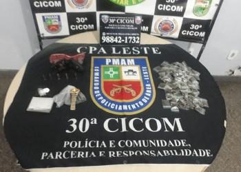 Homem com arma de fogo, munições e droga é detido pela PM no bairro Cidade de Deus