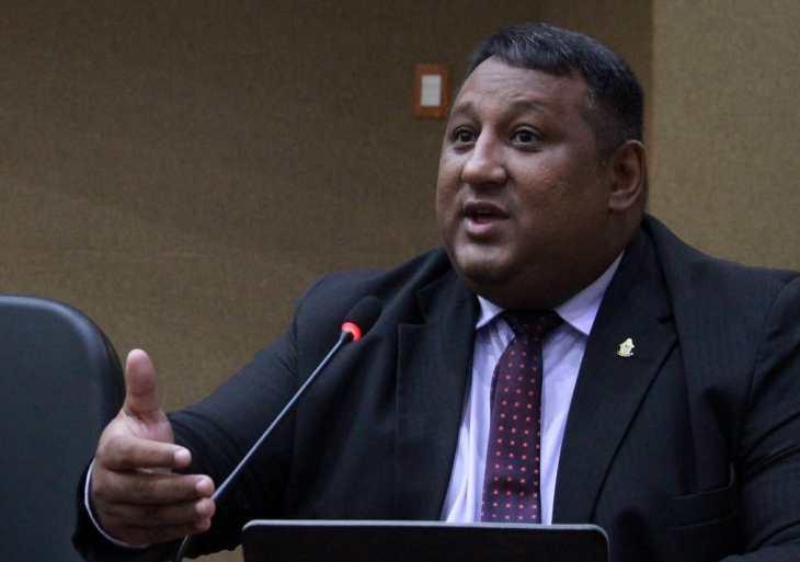 Vereador Ivo Neto cobra segurança para conselhos tutelares e adesivagem nos veículos usados nas ações