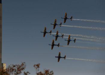 Apresentação de aeronaves  da Esquadrilha da Fumaça