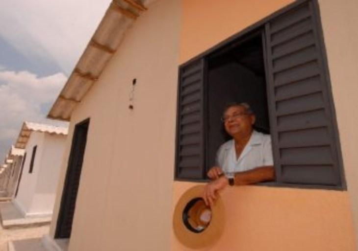 Amazonino entregou mais de 80 mil unidades de habitação no Amazonas