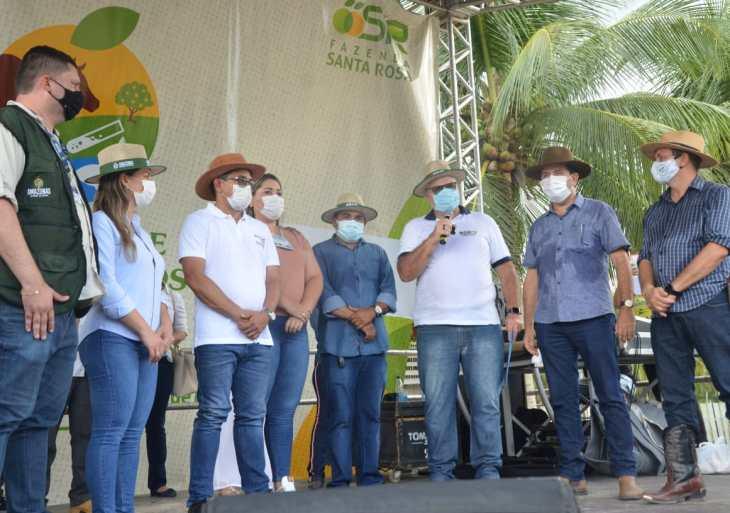 1° Feira de Agro Negócios da Fazenda Santa Rosa