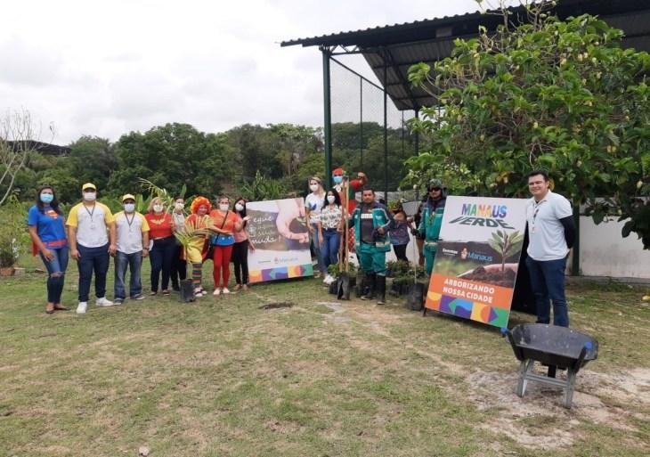 Prefeitura doa 200 mudas na zona Leste de Manaus
