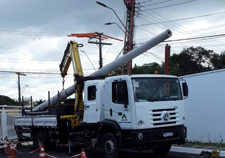 Bairros Novo Aleixo e Betânia recebem novos postes e rede elétrica