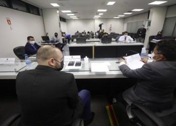 Amazonas Energia induz consumidores ao pagamento de contas a fim de recuperar crédito, afirma OAB/AM à CPI