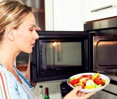Alimentos feitos no microondas fazem mal a saúde?