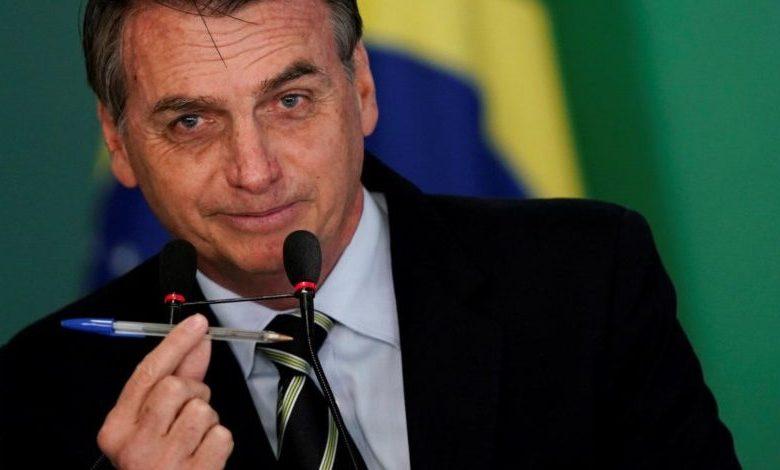 Bolsonaro reduz reajuste previsto para salário mínimo do próximo ano