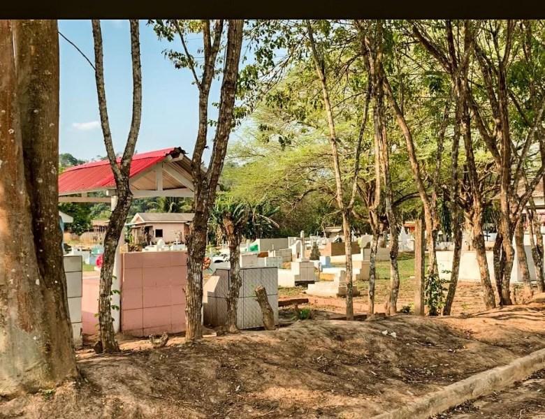 Pacientes do hospital em Assis Brasil têm o cemitério como paisagem