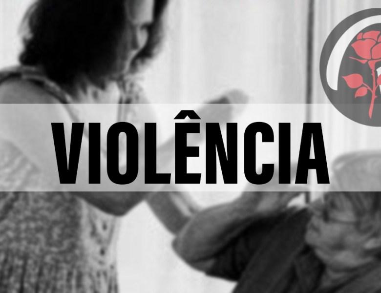 Mulher é presa suspeita de agredir a própria mãe de 76 anos com pauladas
