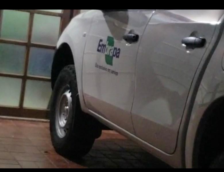 Carro da Embrapa de Rondônia é flagrado na garagem do secretário Paulo Wadt