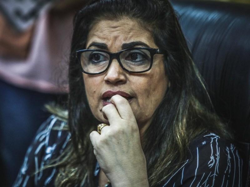 Secretaria Mônica Kanaan pode estar recebendo salário no Acre indevidamente