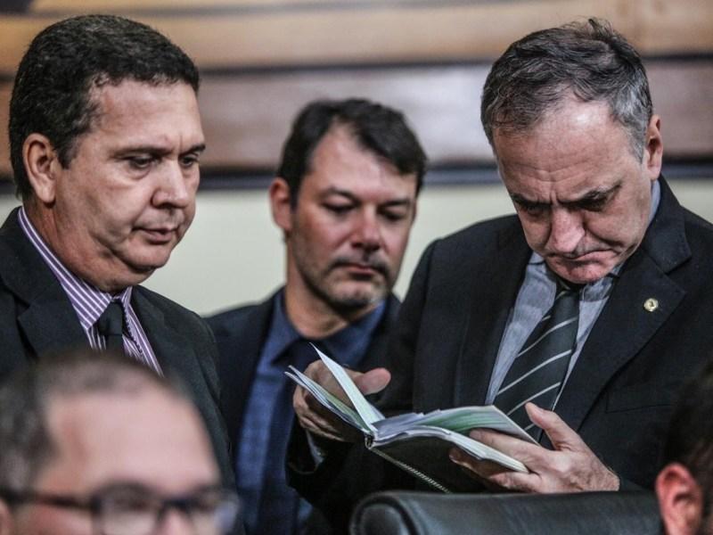 Deputados da oposição irão à Justiça contra mudanças na LDO; governador sancionou a lei