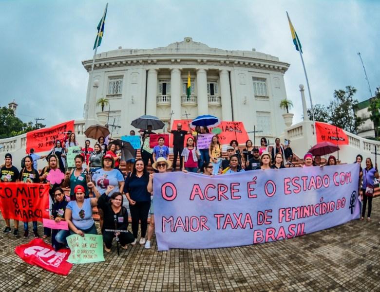 Mulheres do Acre tomam as ruas de Rio Branco em protesto a todas as formas de violência e retrocesso