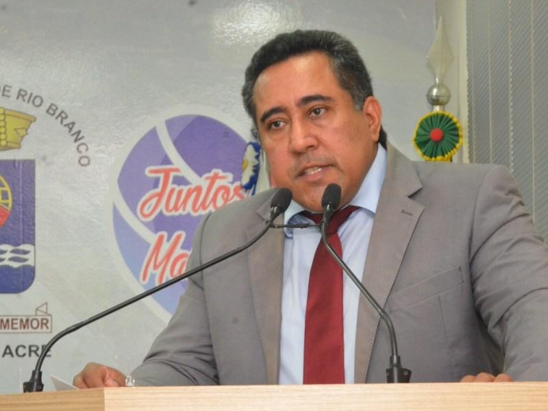 Jakson Ramos faz novo alerta sobre a falta de leitos e respiradores no Acre
