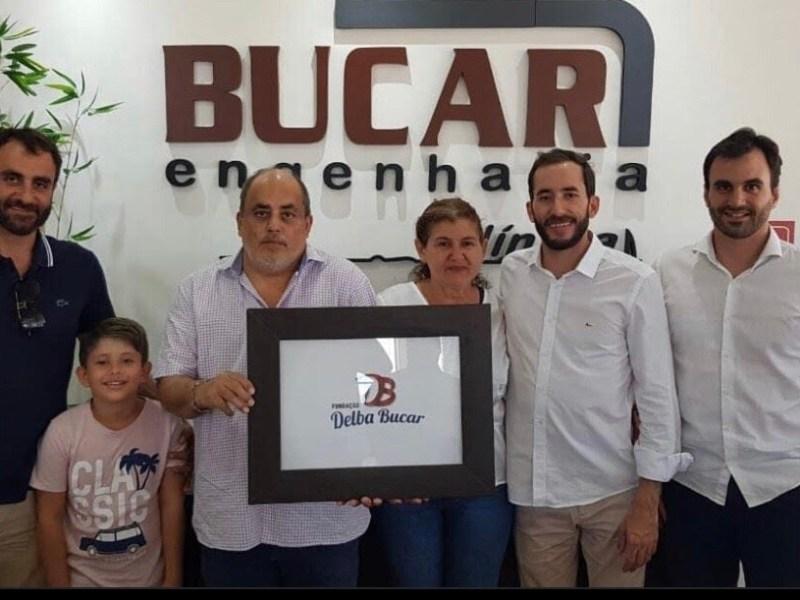 Tião Fonseca pagou mais de meio milhão à empresa da sua família com fonte 700, quando as fontes do contrato eram 100 e 200