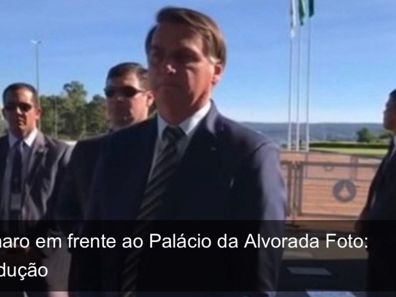 Depois de minimizar coronavírus, Bolsonaro diz que governadores são responsáveis por mortes