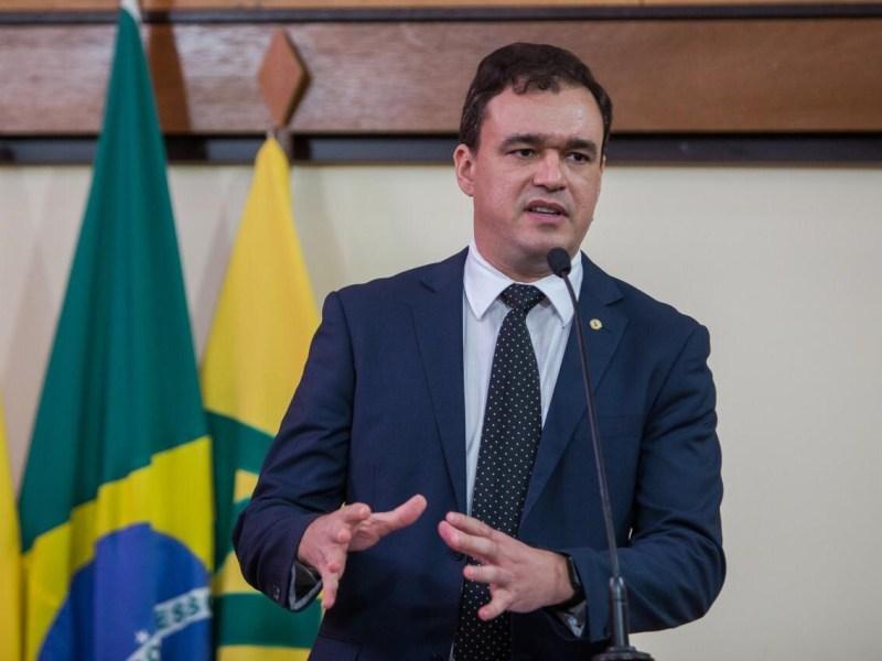 Daniel Zen cobra transparência nos gastos de combate à pandemia no Acre