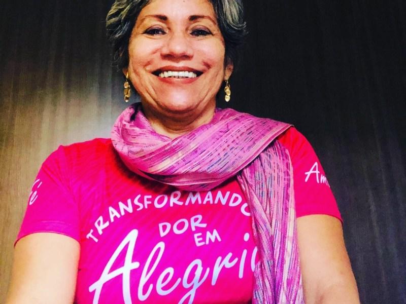 Servidora pública lança livro sobre trajetória de superação após diagnóstico de câncer de mama