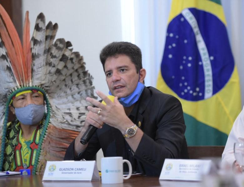 De olho em recursos internacionais, governo Cameli busca aproximação com movimento indígena