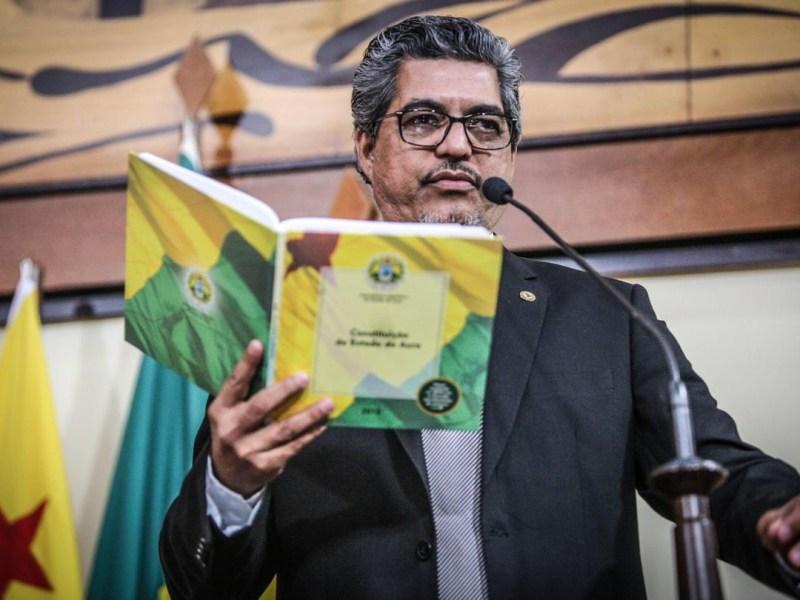 Edvaldo Magalhães solicita ao Procon/Acre que fiscalize assédio do Avancard aos servidores públicos