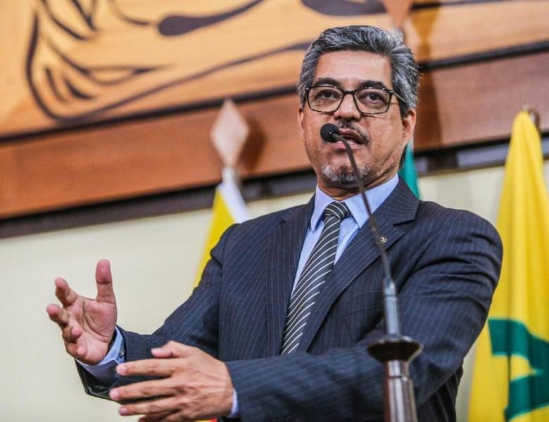 Edvaldo Magalhães defende convocação imediata de jovens aprovados no concurso da PMAC
