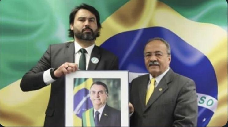 Sobrinho de Bolsonaro que assessorava senador flagrado com dinheiro na  cueca vai trabalhar com Petecão