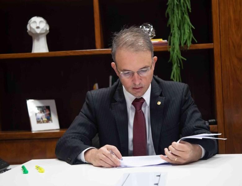 Leo de Brito pede que Ministério da Saúde inclua a Região Norte no grupo prioritário de vacinação