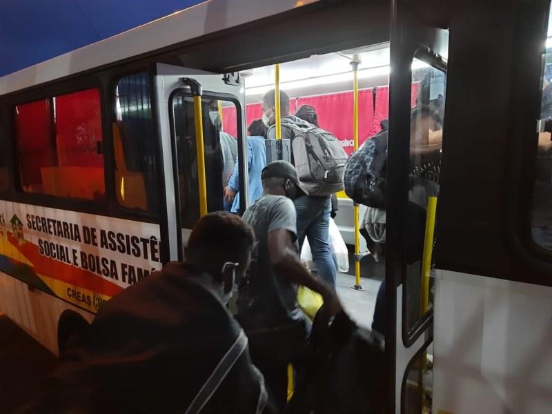Haitianos barrados na fronteira do Peru retornam a São Paulo