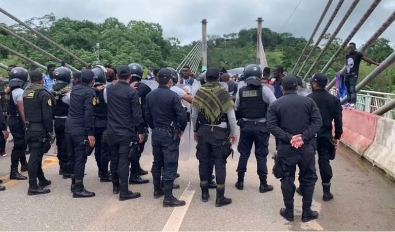 Tensão aumenta na fronteira do Brasil com o Peru