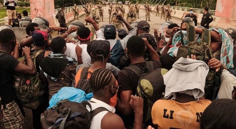 Juiz federal autoriza o uso da força policial para desocupar a ponte da Integração, em Assis Brasil