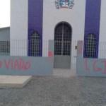 Igreja evangélica no Pernambuco amanhece com pichações.