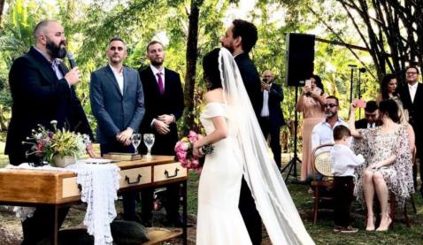 Pastor Edson celebrou casamento do cantor gospel Leonardo Gonçalves.