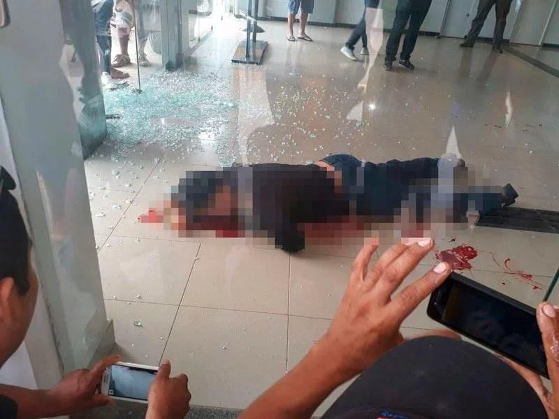 Seguranças reagem, evitam roubo e matam suspeito em agência bancária de Iranduba
