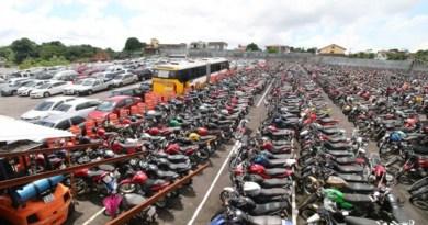 Detran-AM inicia processo para leilão de veículos retidos no parqueamento